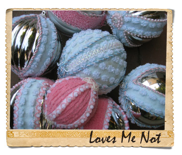 An Ornament A Day_LoveMeNot