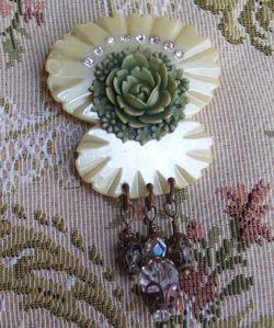 Victorian bakelite antique rose brooch3