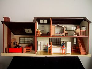 Vintage Tommy Dolls House 2