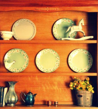 Living_room_vintage_china