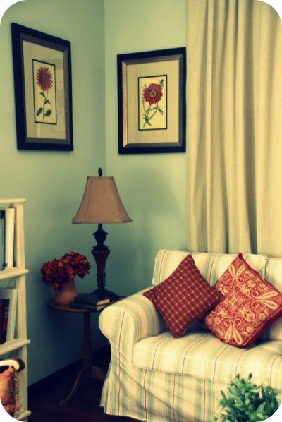 Living_room_sofa1