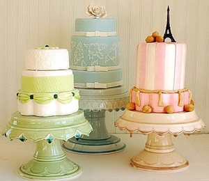 Bijou_with_cakes_by_tallant_house_2