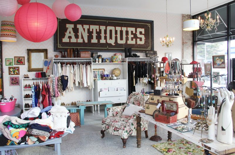 Vintage indie vintage hot spots for Home interior shopping