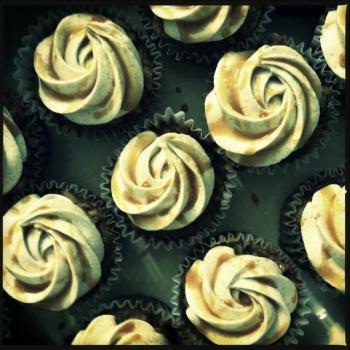 Caramel Filled Apple Cupcakes