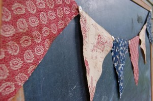 Red_white_blue_floral_bunting_littl