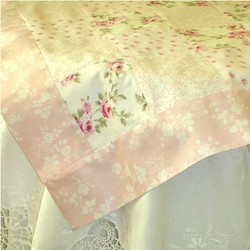 The_rose_cottage_table_topper