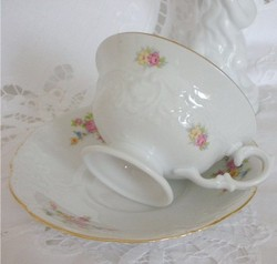 The_rose_cottage_tea_cup