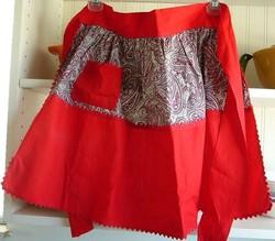 Vintageredpaisleyapron_crochetbee